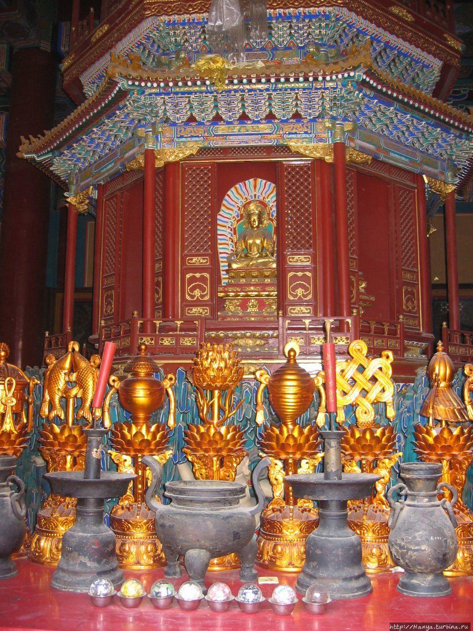 Храм Юнхэгун.  Внутренние