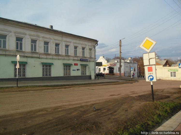 По  пустым  улицам  Уржум