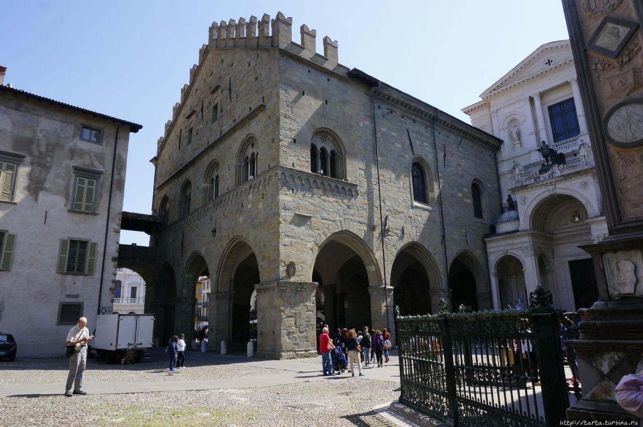 Старый Бéргамо – город на вершине горы