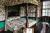 В этой спальне был убит третий муж Анны