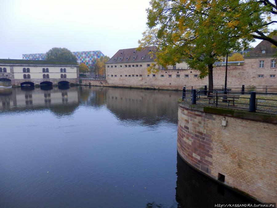 Страсбург. Крепость у дороги Страсбург, Франция