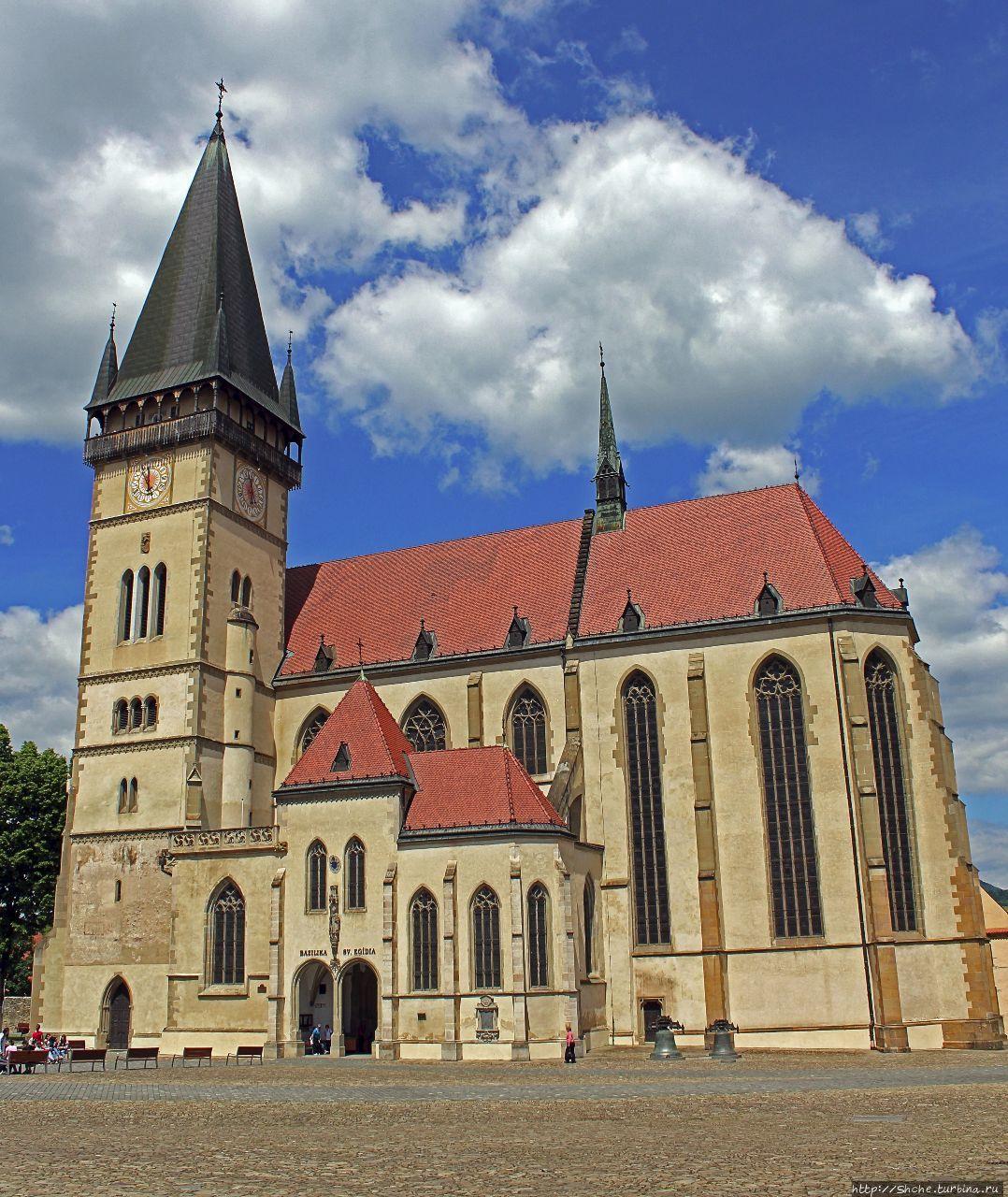 Главный собор Бардеева (13 век)  и его собрание алтарей