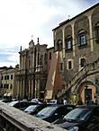 Церковь Покрова Богородицы и Городская Ратуша (Palazzo dei Priori)