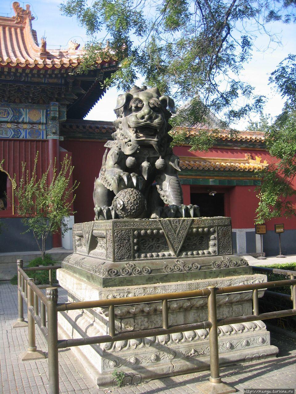 Храм Юнхэгун. Скульптура