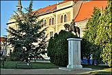 Памятник Фештетичу.