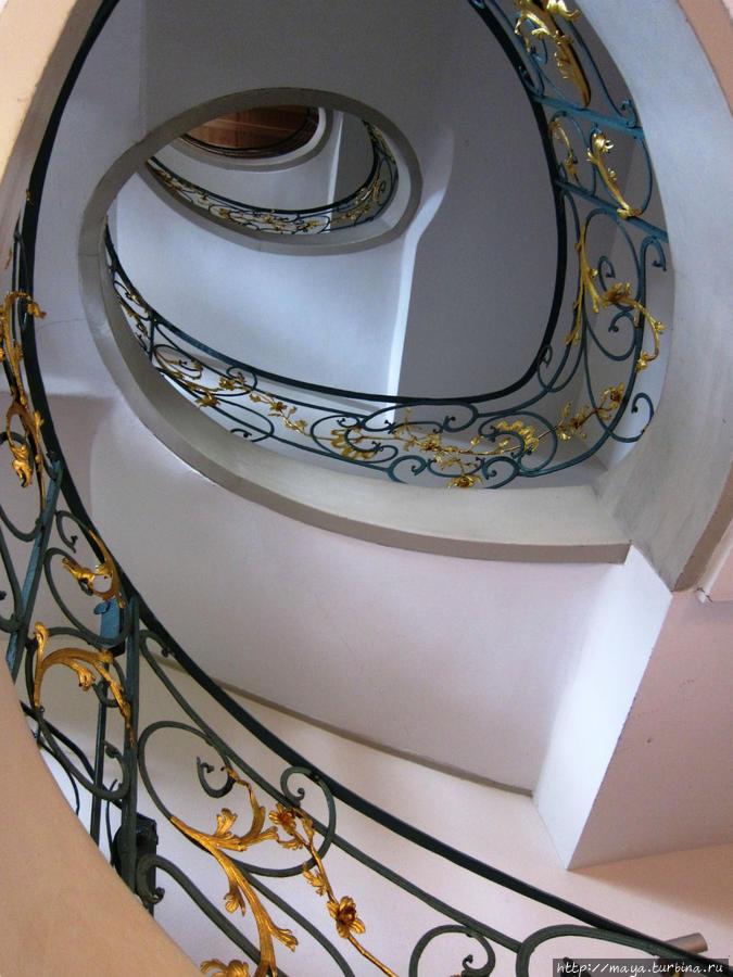 лестница в жилую часть