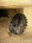 Выходим из этой части катакомб — обратно в погреб))