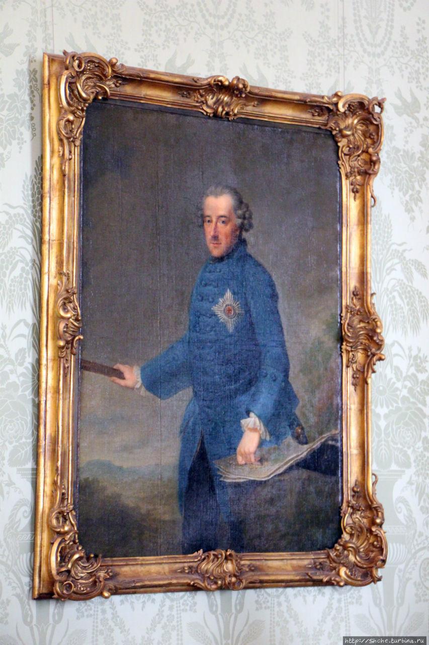 это единственных портрет короля, для которого он специально позировал.