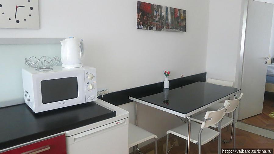 Обеденная зона на кухне.