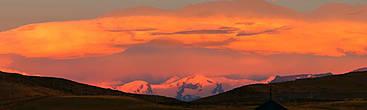 последний вечер в Калафате подарил мне изумительный закат. Завтра я буду уже в Чили. Прощай Аргентина, а может -до свидания...