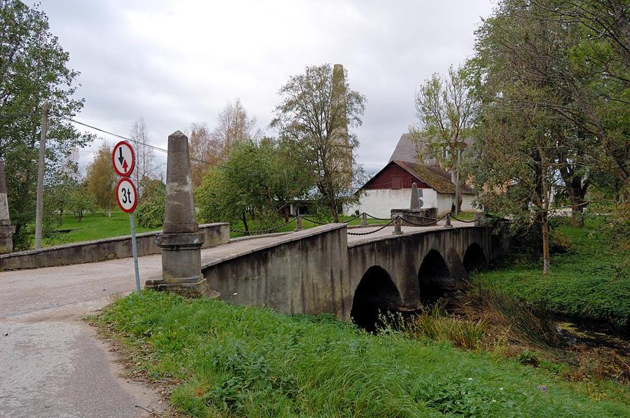 Колувере. Старинный мост