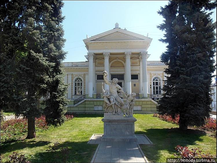 Археологический музей и к