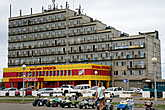 Дом  в  виде  корабля   на  пл.  Ленина.