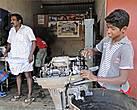 Мастерская по ремонту моторов — весьма прибыльное предприятие. А детей с сызмальства к делу приучать нужно...