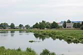 И река Волковыя с небольшим озерцом.