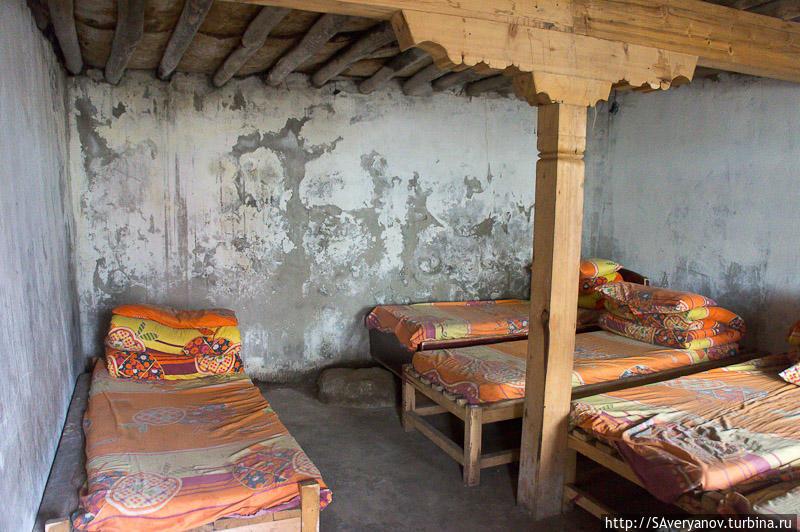 Гестхауз у монастыря Дира Пхук