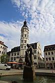 Городская ратуша, имеет винтовую лестницу, можно подняться наверх