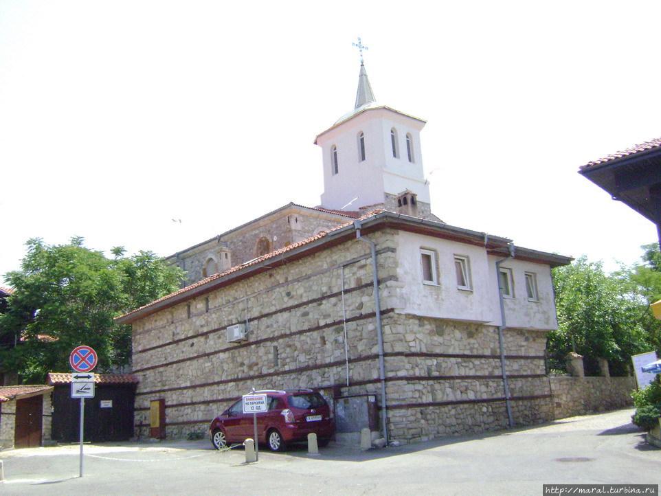 Церковь Пресвятой Богородицы — действующий храм Несебра