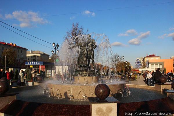 Фото скульптуры-фонтана во время открытия (фото из интернета).