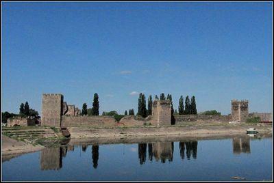 Вид на крепость со стороны Езавы