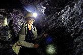 Тяжела доля колумбийского шахтера — мало того, что кирка неподъемна, так еще и порода не поддается