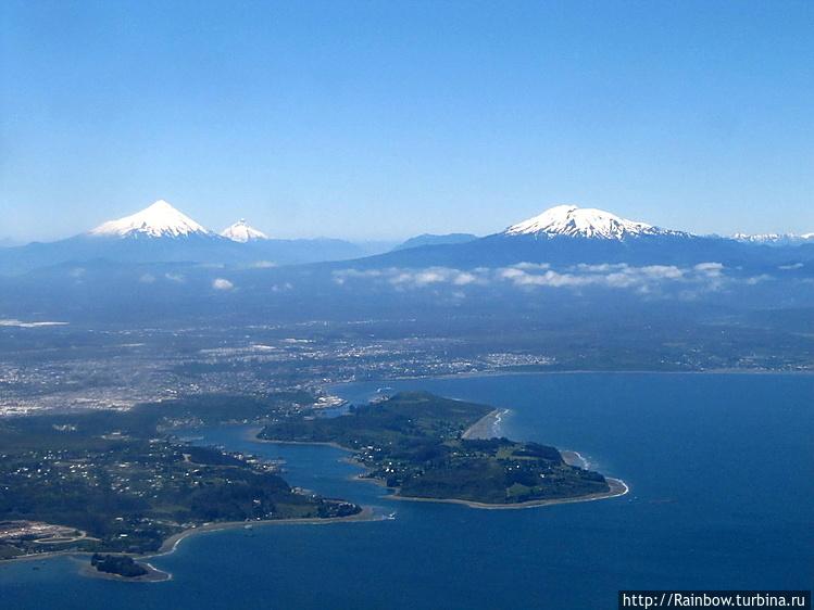 Шапки вулканов в Озёрном