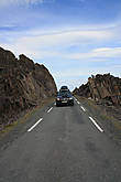 А вот дороги узковаты.Это двусторонняя дорога.Есть площадки,что бы уступать дорогу.И все встречные водители обязательно помашут рукой.Очень приятно!!!