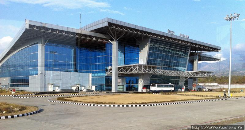 Здание аэропорта в городе Дехрадун