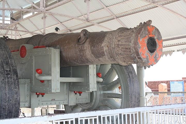 Пушка Джайвана в музее форта. Википедия