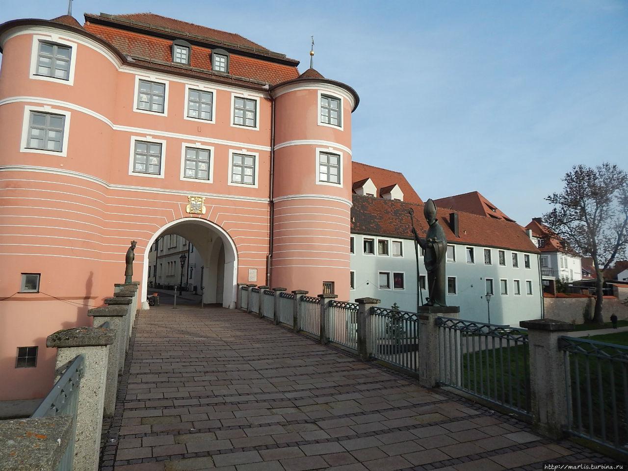 Мост через Вёрлиц и ворота Ридертор,  обьект N 4  на карте Донаувёрт, Германия