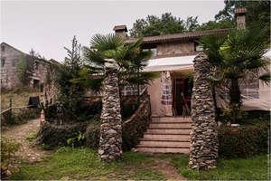 Дом в лесу. Приют для пилигримов и странников. Испания.