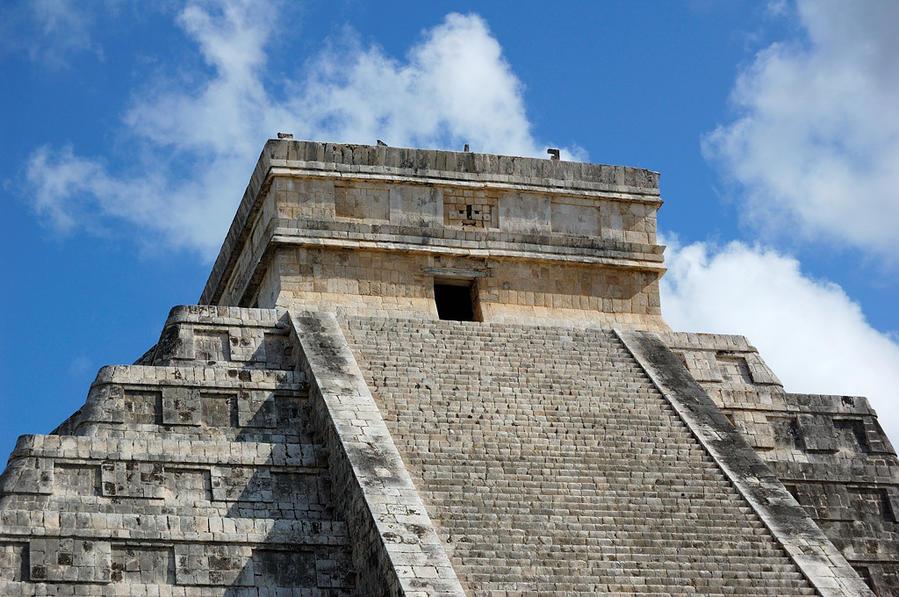 Верхняя часть главной пирамиды Чичен-Ица город майя, Мексика