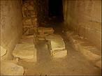 Места отдыха в катакомбах оборудовали всегда — делают их и по сей день.