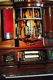 Один из первых автоматов со струнной группой.1929 .
