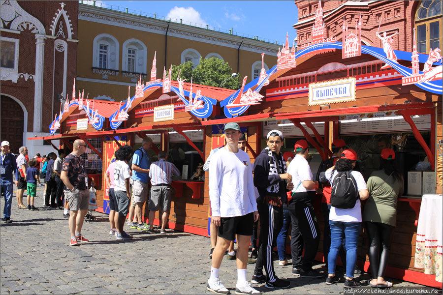 10. На Красной площади по