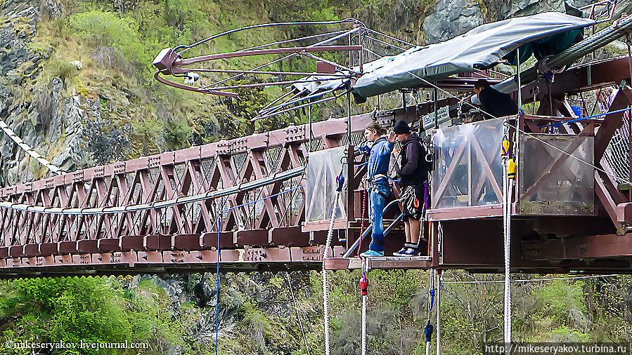 Как прыгать банджи или активитес Квинстауна Квинстаун, Новая Зеландия