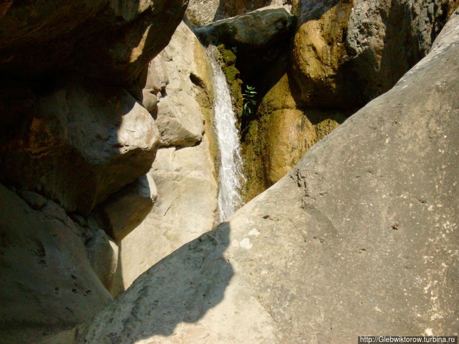 Среди Арпатских водопадов Зеленогорье, Россия