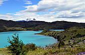 Одно из озёр во всемирно известном Национальном парке Торрес-дель-Пайне