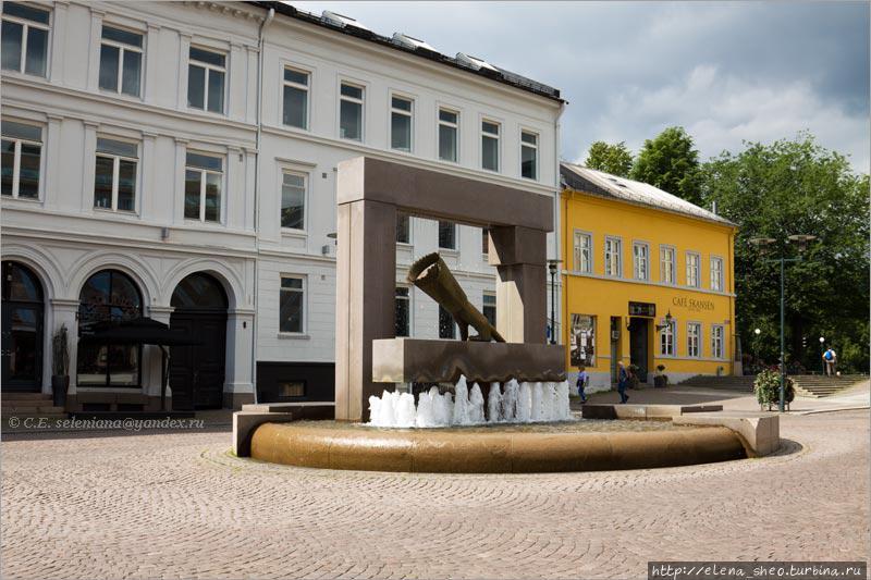 3. Обойдём фонтан и посмотрим на него с другой стороны.