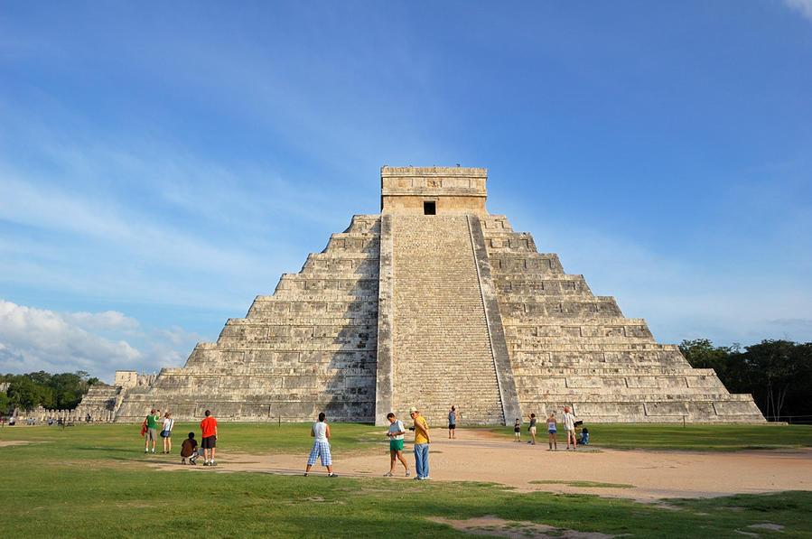 Пирамида El Castillo Чичен-Ица город майя, Мексика