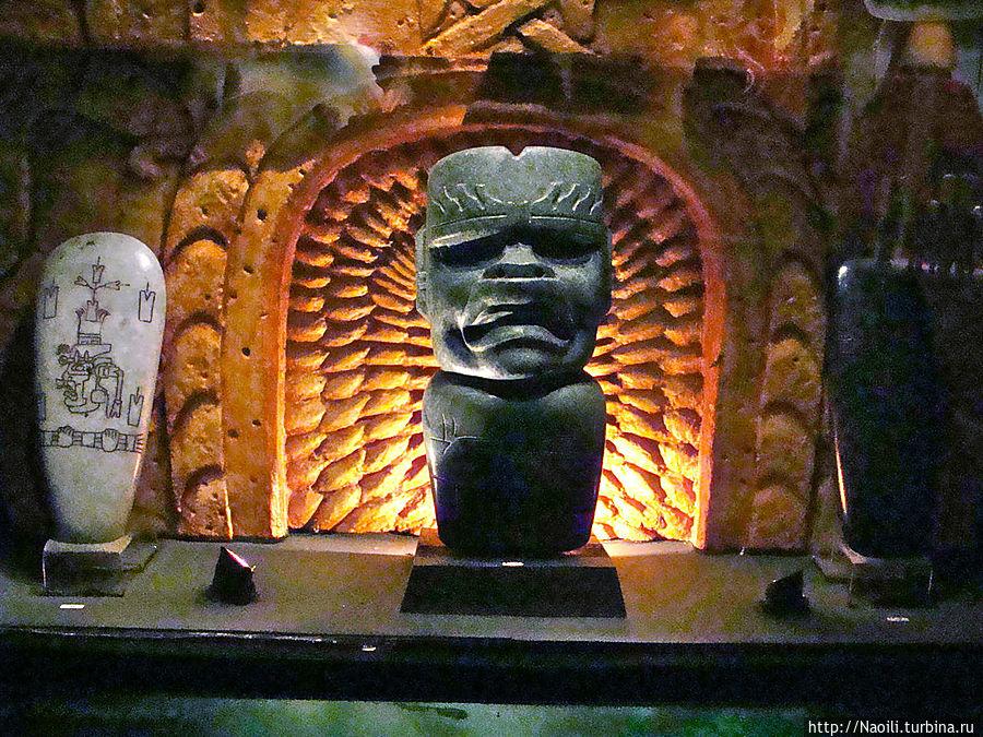 Статуэтка воина Ольмека-ягуара, из тех кто умел перевоплощаться, период 1000-300 год до н.э.