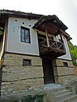 монастырские постройки — просто и красивенно
