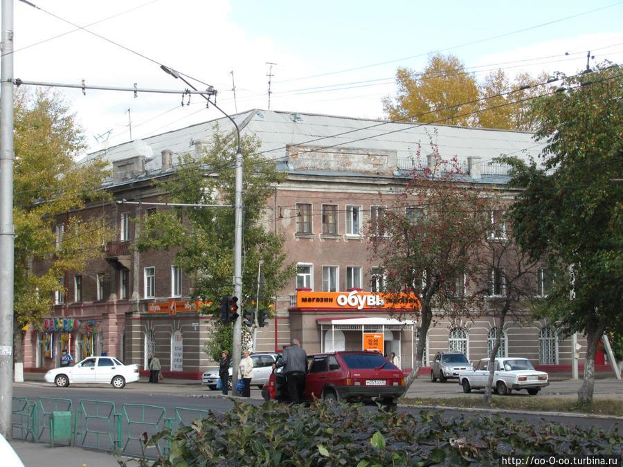 по проспекту Ленина