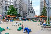 60. А потом, неожиданно — песочница. Прямо в самом центре Детройта, в окружении памятников, небоскребов, монорельса и деловых бизнесменов. Такого мы не видели вообще нигде. Надеюсь, что эта крутейшая идея не временное явление.