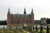 В замке сегодня работает интереснейший музей — Национальный исторический музей.  Он был основан в 1878 году по инициативе датского пивовара Якобсена как отделение фонда «Карлсберг», а в 1882 году музей  распахнул свои двери для всех желающих.