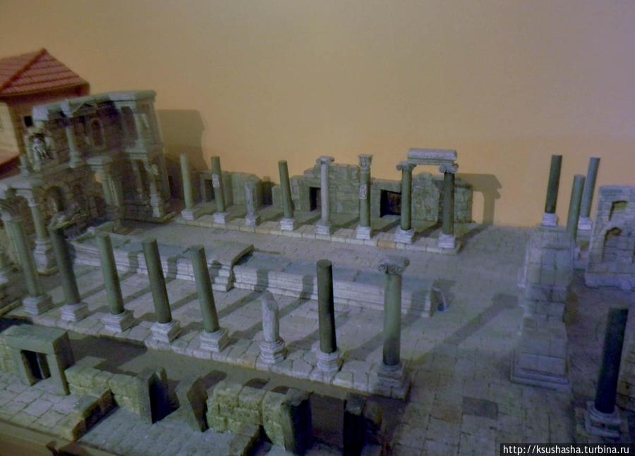 Музейный макет храма Афродиты в Перге