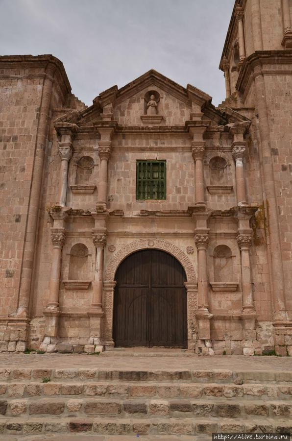 Красный собор в Пукаре