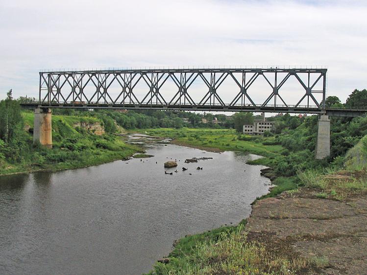 Железнодорожный мост над