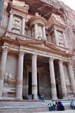 Эль-Хазне — одно из наиболее хорошо сохранившихся сооружений первого века.