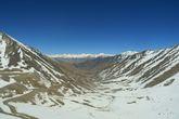 Вид с последнего перевала Кхардунг-Ла в сторону Нубры.